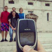 Nokia_3310_with_camera.jpg