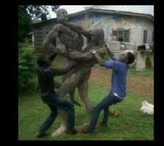 Separating_Fighting_Statues.jpg